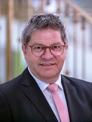 BFW_Baden-Wuerttemberg_Vorstandsmitglied_Manfred-Bayer300x400